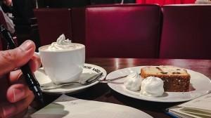 Jinbocho LADRIO. café vienne and cake set.